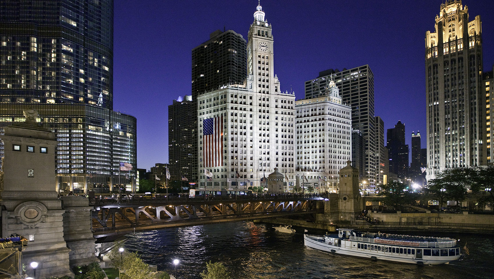 Wrigley Building, magnificent mile, river boat, American flag